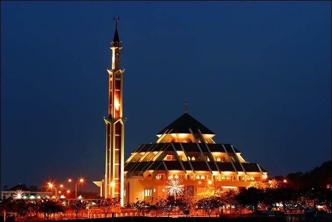 Melihat Batam dari Menara Masjid Agung