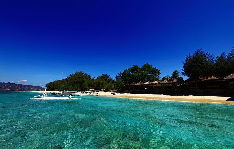 Lima Rekomendasi Surga Pantai di Lombok