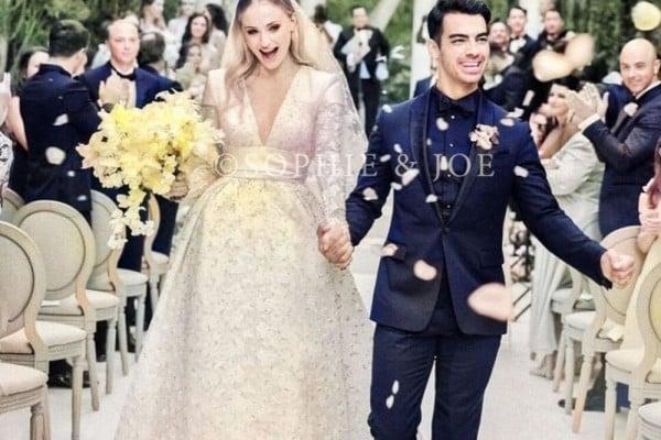 Joe dan Sophie Akhirnya Posting Foto Pernikahan