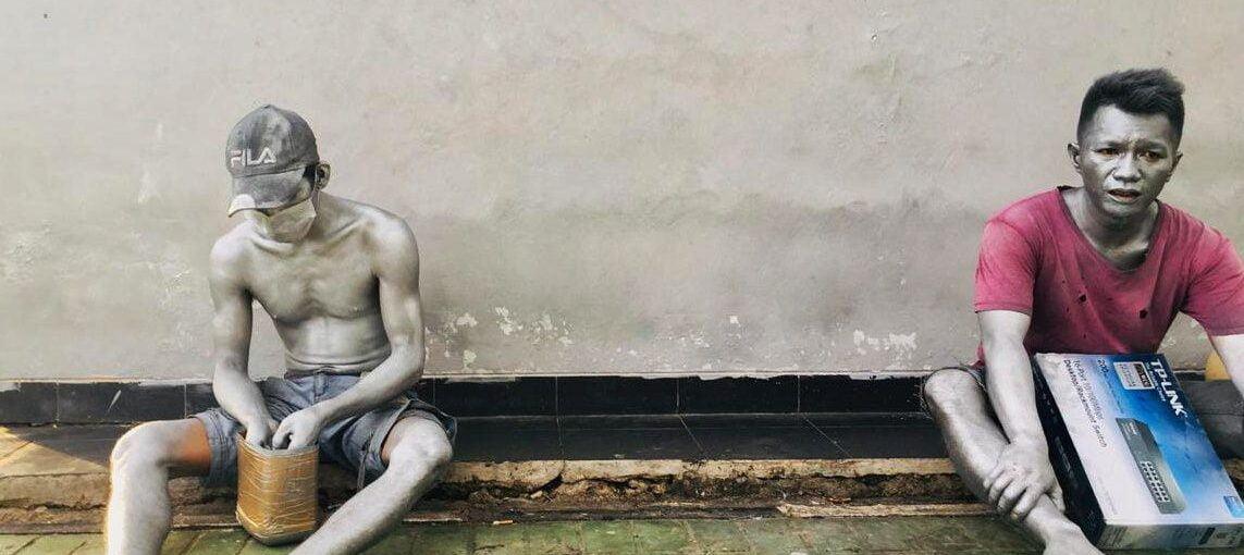 Si Manusia Silver di Simpang Empat Batam