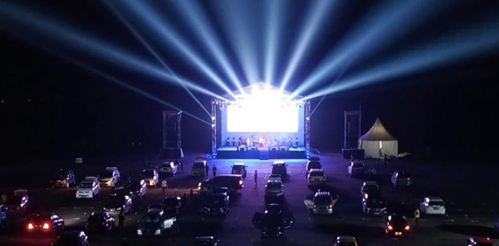 Bioskop Drive In, Pengalaman Nonton Film dari Mobil Perdana di Batam