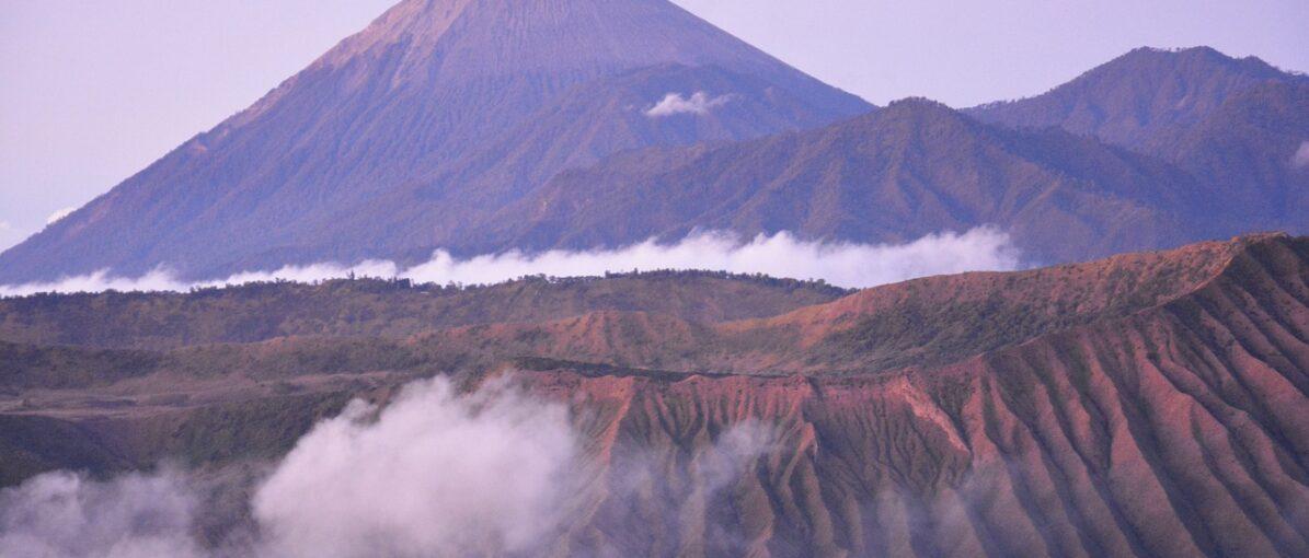 Kawasan Gunung Bromo Dibuka Kembali untuk Wisatawan