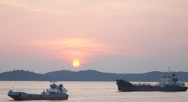 Luhut: Pelabuhan Batu Ampar Akan Dikembangkan Menjadi Green Port Pertama di Indonesia