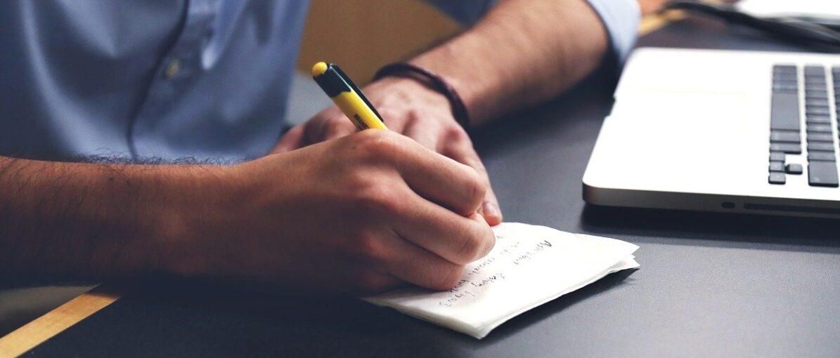 Butuh Menjernihkan Pikiran? Mengapa Tidak Menulis Catatan Harian?