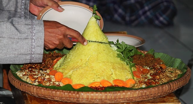 Memaknai Nasi Tumpeng dari Sejarah, Ragam dan Filosofinya