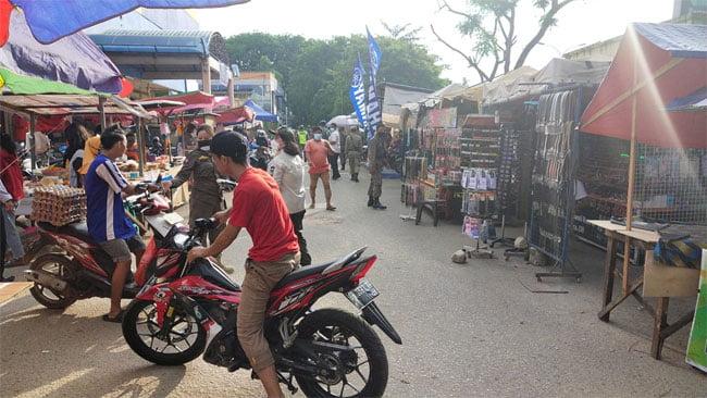 Mengecek Penerapan Protokol Kesehatan di Bazar Ramadan