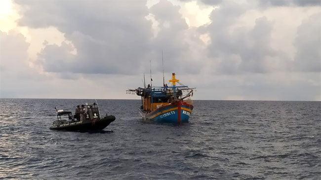 Bakamla Tangkap Kapal Ikan Vietnam