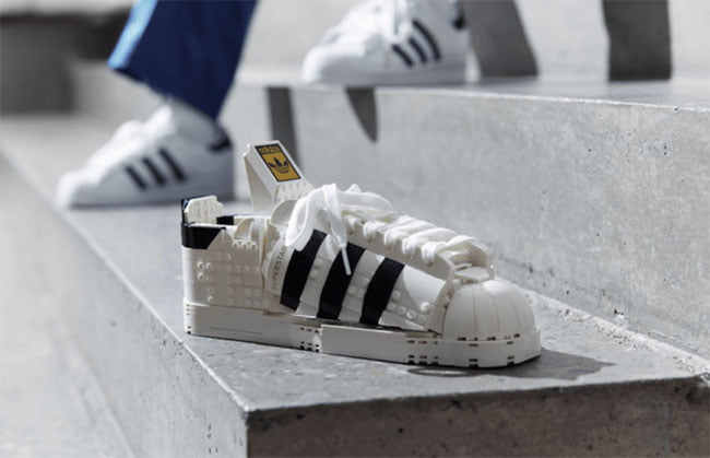 Penampakan Sepatu Adidas yang Terinspirasi Permainan Blok