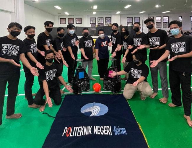 Wali Kota Batam Apresiasi Prestasi Tim Robotik Polibatam